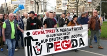 "PEGIDA-""Spaziergang"" am 9. April in Dresden"