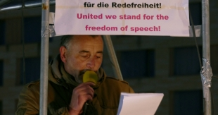 PEGIDA-Chef Bachmann mit Sellners Londoner Rede