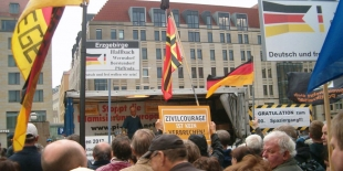 "100. PEGIDA-""Spaziergang"" am 10. April 2017 in Dresden"